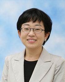 Photo of Mona Choi